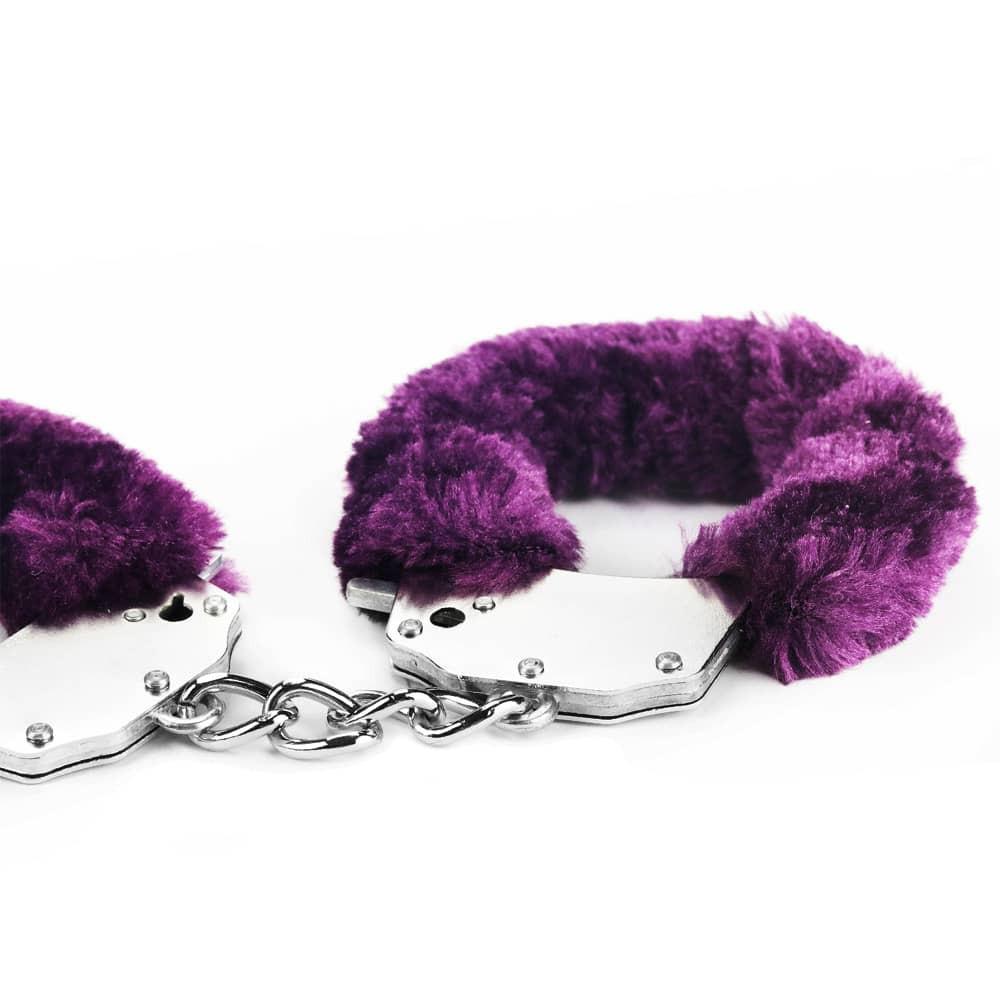 Белезници с лилав плюш - Fetish Pleasure Fluffy Hand Cuffs — 2