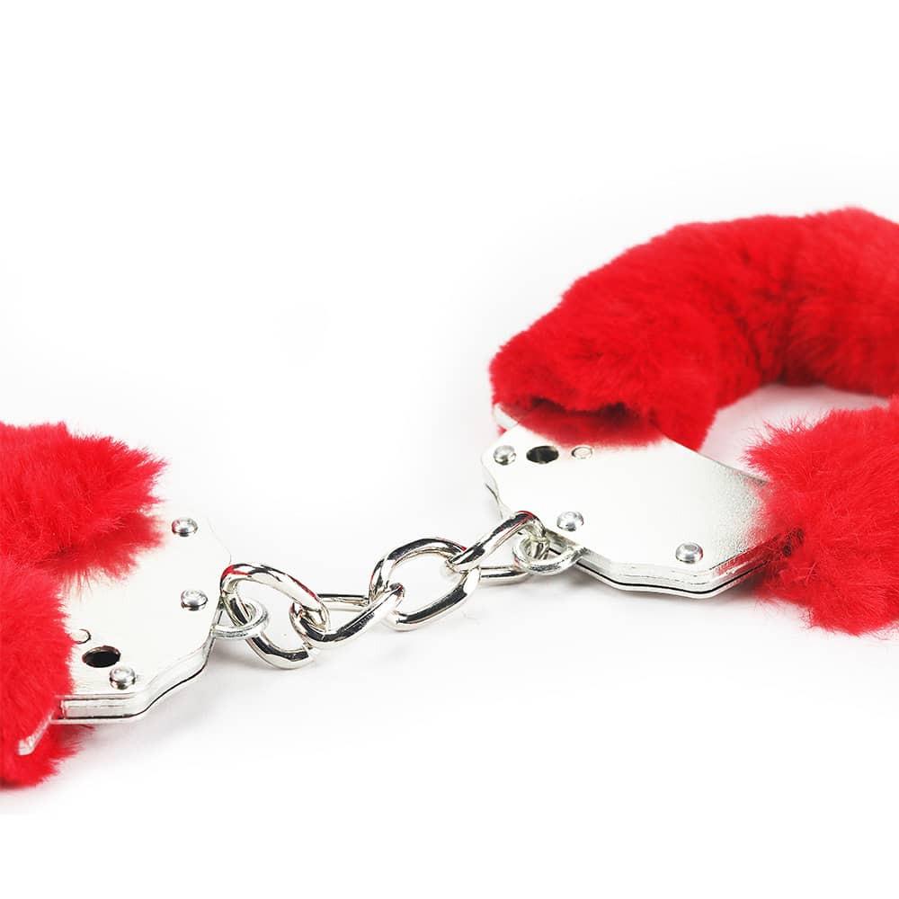 Белезници с червен плюш - Fetish Pleasure Fluffy Hand Cuffs — 2