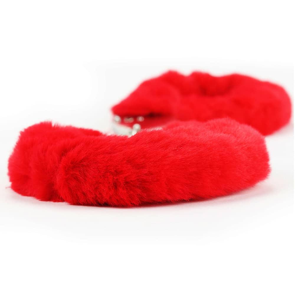 Белезници с червен плюш - Fetish Pleasure Fluffy Hand Cuffs — 3