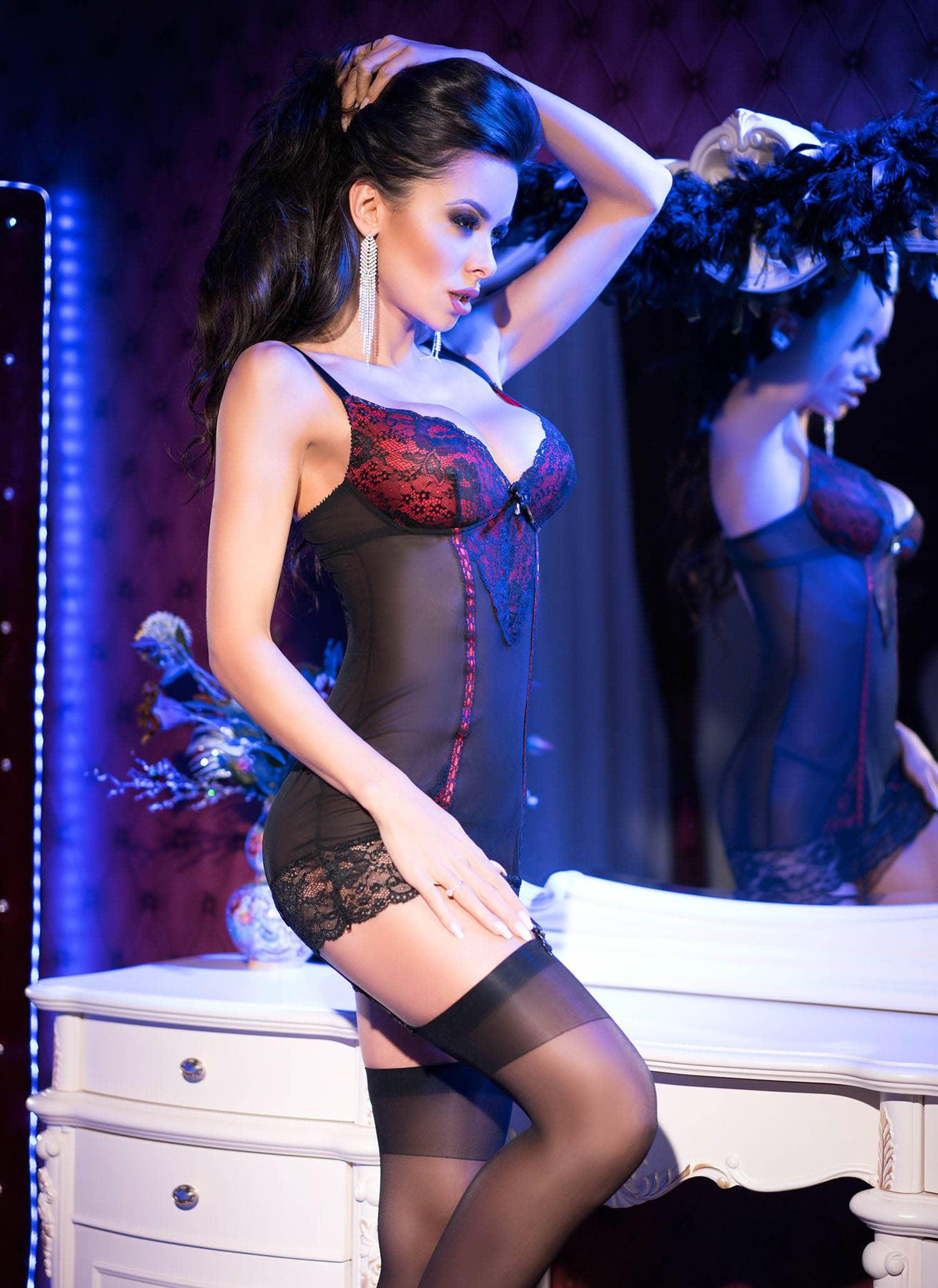 Еротичен комплект за изискани дами, размер S – CR 4153 S Black/Red Chemise + String